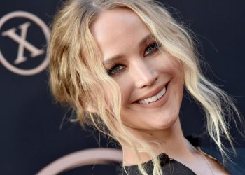 """HOLLYWOOD, CALIFORNIA - JUNE 04: Jennifer Lawrence attends the premiere of 20th Century Fox's """"Dark Phoenix"""" at TCL Chinese Theatre on June 04, 2019 in Hollywood, California. (Photo by Axelle/Bauer-Griffin/FilmMagic)"""