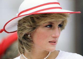 CANADA - SEPTEMBER 26:  Diana, Princess of Wales during an official visit to Edmonton, Canada  (Photo by Tim Graham Photo Library via Getty Images)